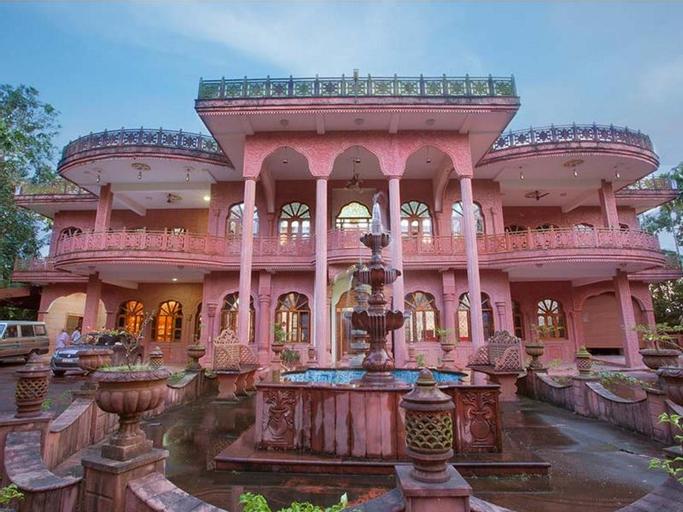 Vrindavan Retreat, Ernakulam