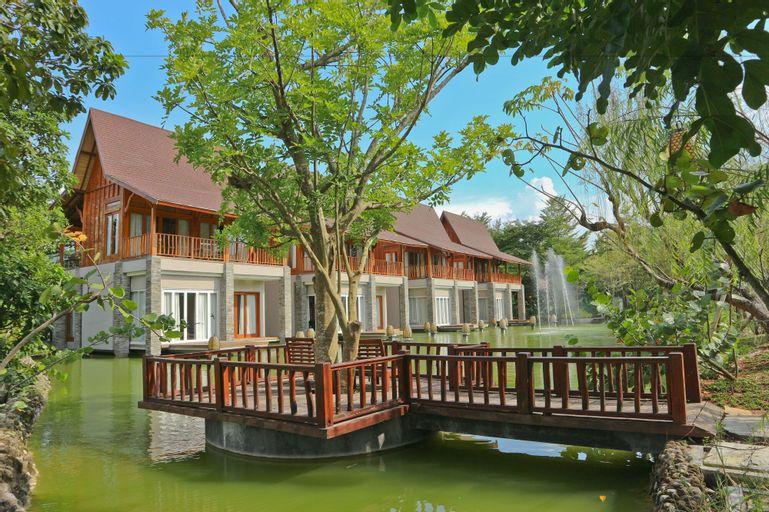 Grand Mega Resort & Spa Cepu, Blora