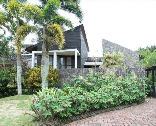 Villa Lovender Klub Bunga A14, Malang