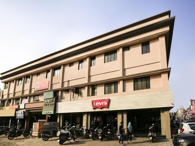 OYO Flagship 28844 Sher Singh Palace, Ghaziabad