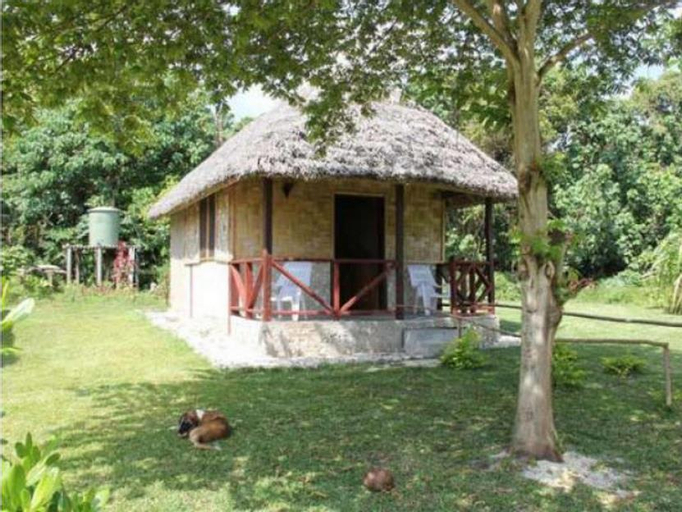 Alofa Beach Bungalows, West Tanna