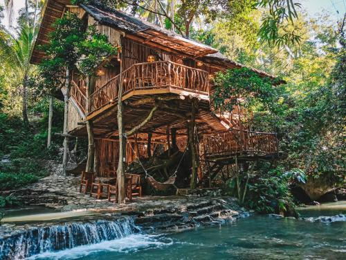 Treehouse de Valentine, Balamban