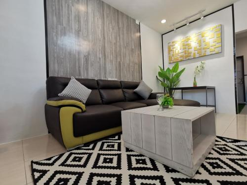 Continental Landed House Home at Gurney @11 pax family suite, Pulau Penang