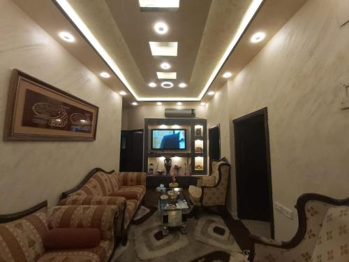 Jarajreh Apartments/ Hotel, Qasr
