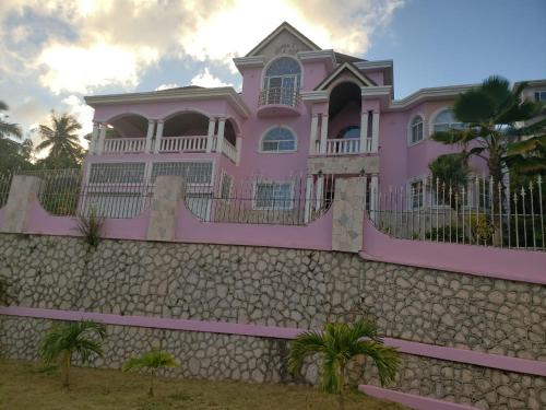 DSH Vacation Rooms and Rentals,