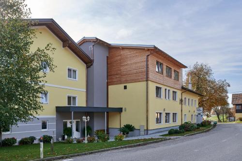 Hotel Gasthof-Strasser, Ried im Innkreis