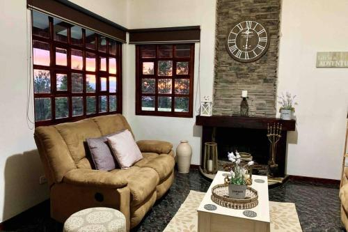 Country house, Cozy Fireplace and an amazing view, Cartago