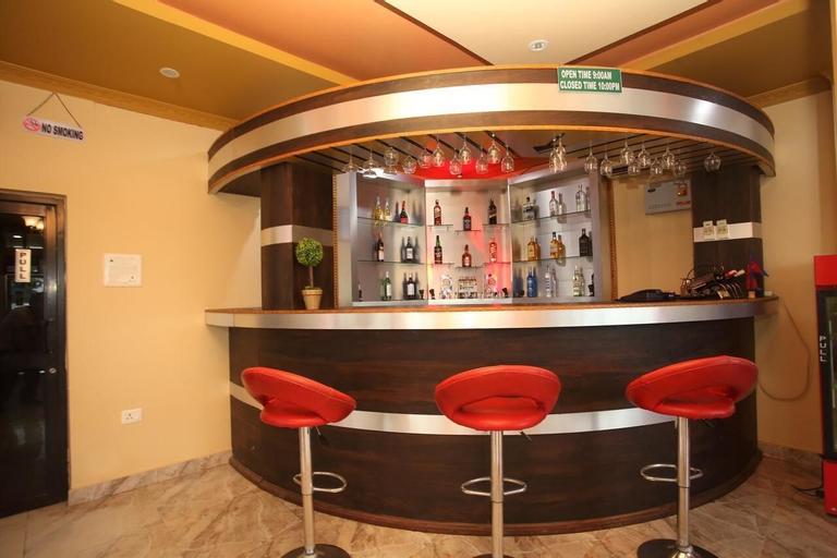 SPOT ON 489 The Roadhouse Restro & Hotel, Seti