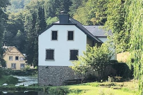 Cosy holiday home surrounded by private ponds, Echternach