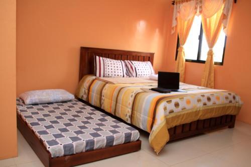 M. Cabildos Transient Room 5, Baras