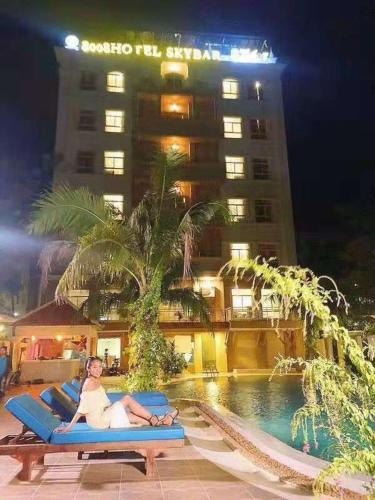 8008 Hotel, Ruessei Kaev