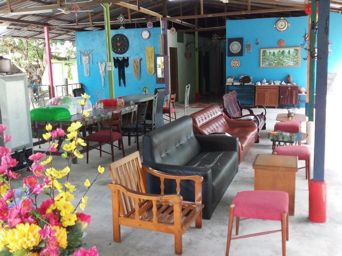 Tony's Guesthouse, Barat Daya