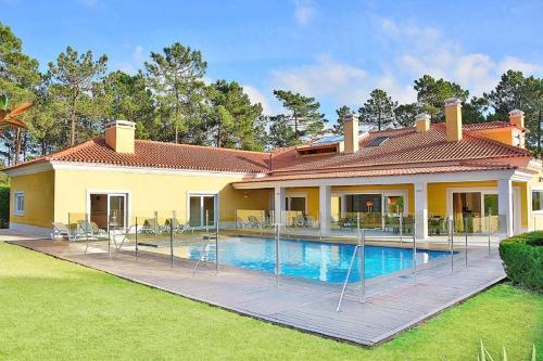 Villa Miosotis, Almada