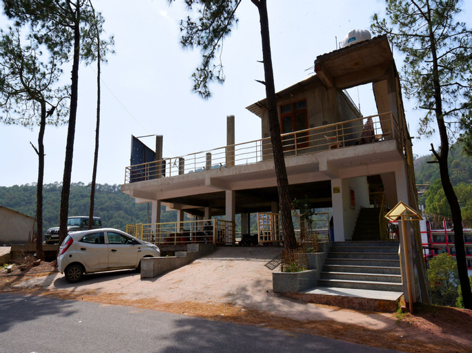 OYO 12818 Dev Villa, Solan