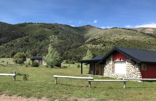 Cabanas en Lago Lolog, San Martin de los Andes, Huiliches
