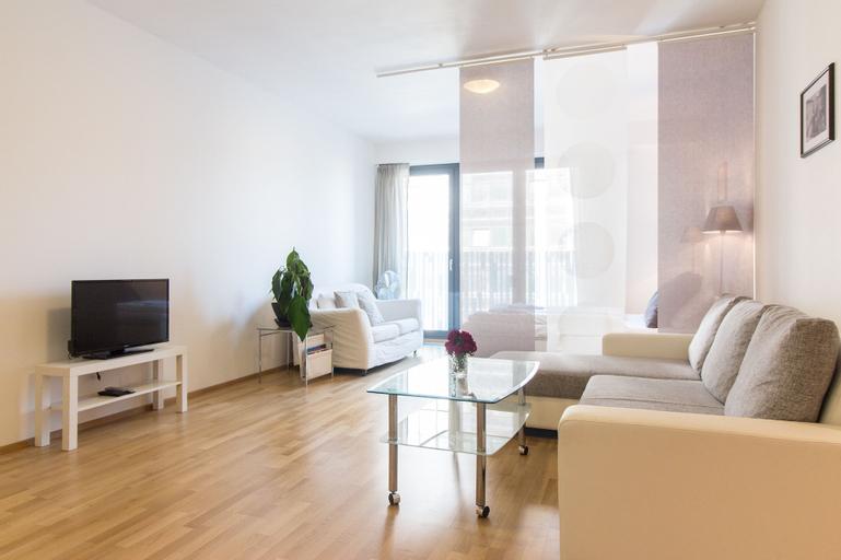 New Modern Apartment with Zizkov Parking, Praha 3