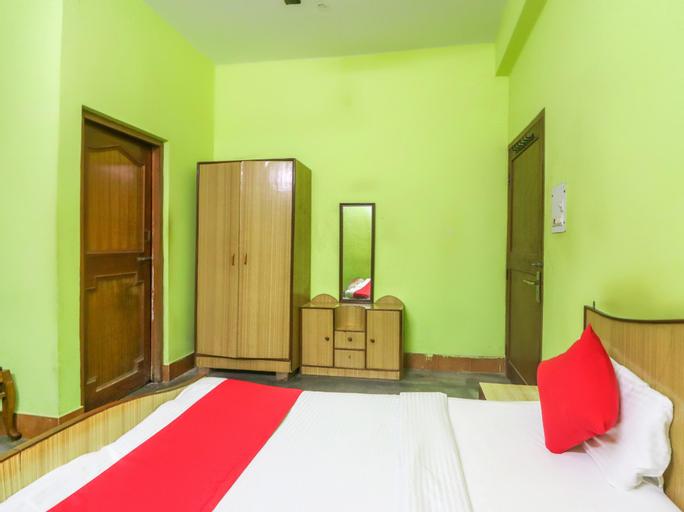 OYO 61084 Geeta Palace, Hamirpur