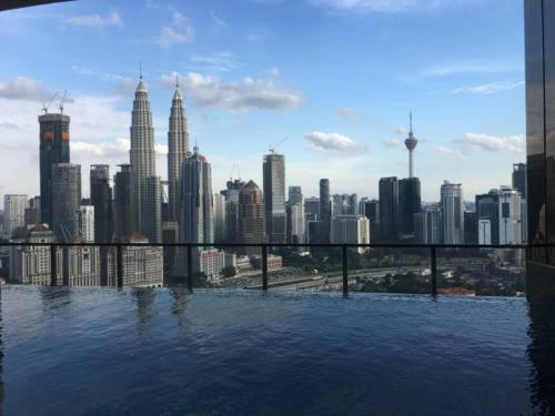 Luxurious 5 Star Sweet Home +Infinity Pool +KLCC View +Private Lift, Kuala Lumpur