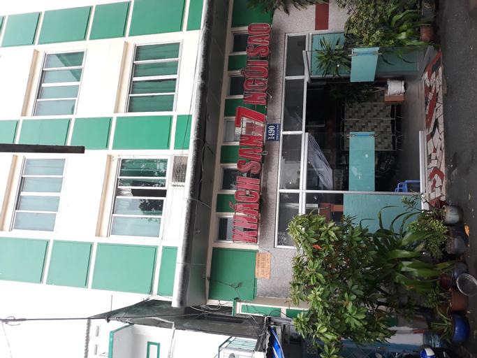 OYO 425 Seven Stars Hotel, Tân Bình