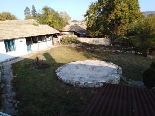 Walnut lodge, Popovo