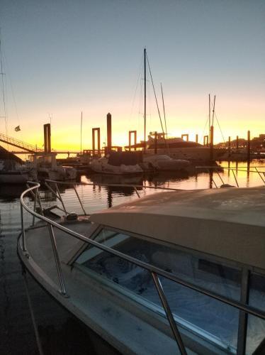 Sleep a board a lovely boat Porto, Afurada, Vila Nova de Gaia