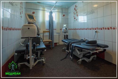 Курортно-лікувальнии комплекс МЕДНЕАН, Vyzhnyts'kyi