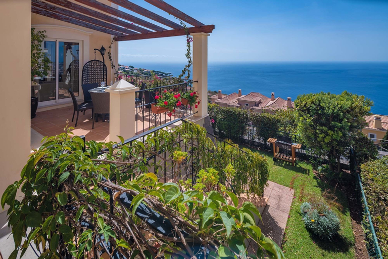 Designed Villa - Palheiro Village, Funchal