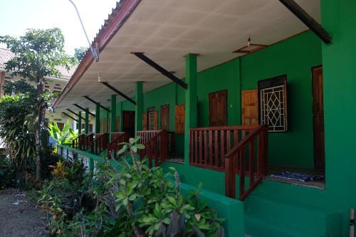 Bamboo Paradise, Ngoi