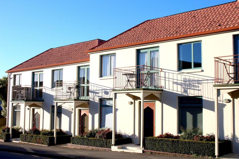 Les Troupes Apartments, Christchurch