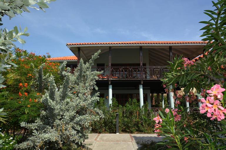 Blue Bay Beach Villas,
