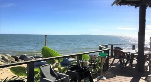 2 Bedroom Home With A Ocean View Nearby, Ba