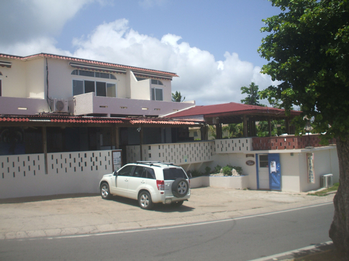 Esperanza Oceanfront Apartments,