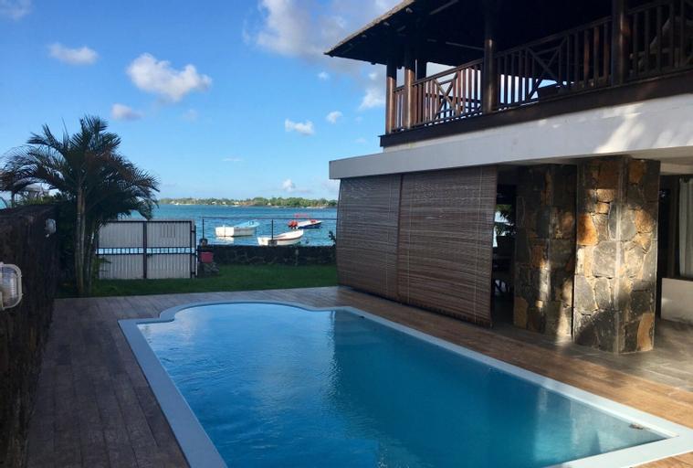 Villa de Prestige Beach Front 8,