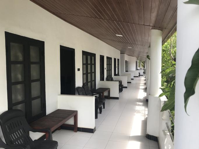 Golden Beach Inn, Trincomalee Town and Gravets