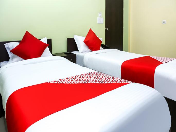 OYO 40236 Hotel Raat Din, North Tripura
