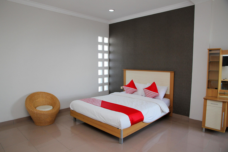 OYO 1098 Rego Hotel, Palu