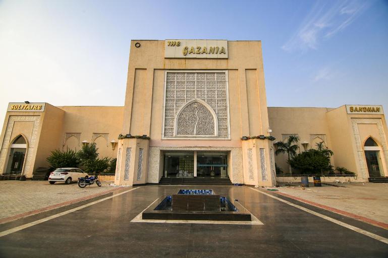 OYO 62054 The Gazania Hotel, Rohtak