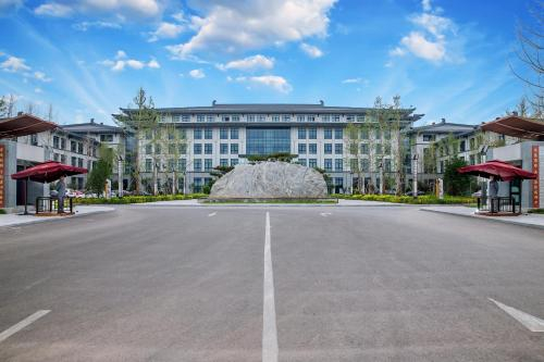 Yun-zen Jinling Acrobatic Hotel, Cangzhou