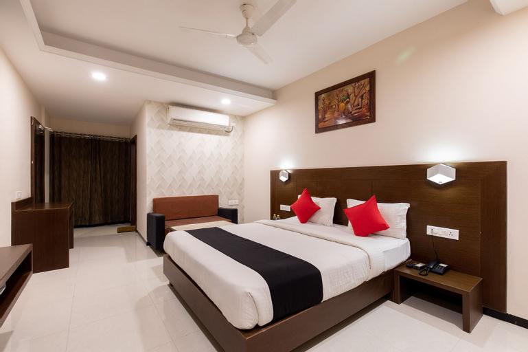 Capital O 19528 Hotel Park Palace, Ujjain