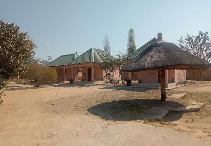 Little Lodge, Choma