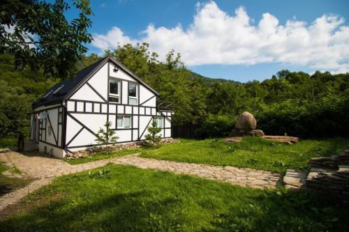 The Little Basca Villa, Gura Teghii