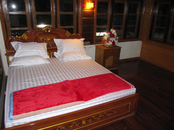 Lux Pillow Hostel Hpa An, Kawkareik