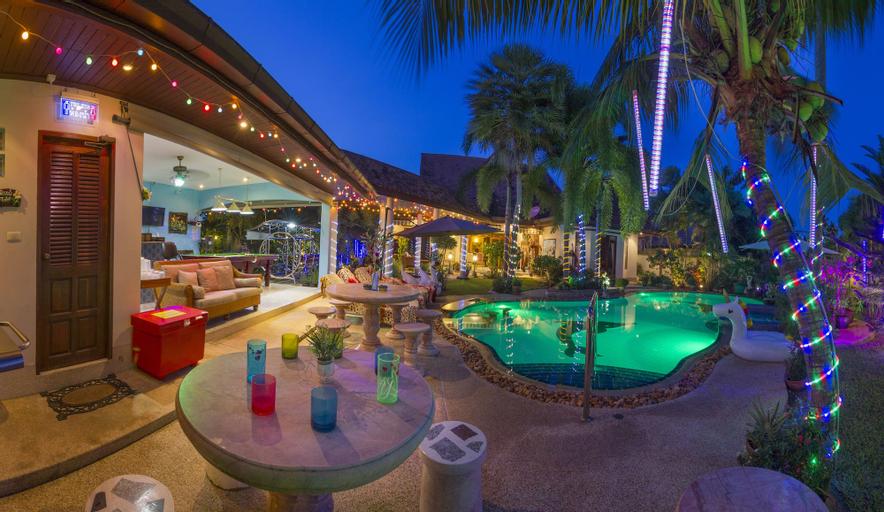 Relaxing Palm Pool Villa, Bang Lamung