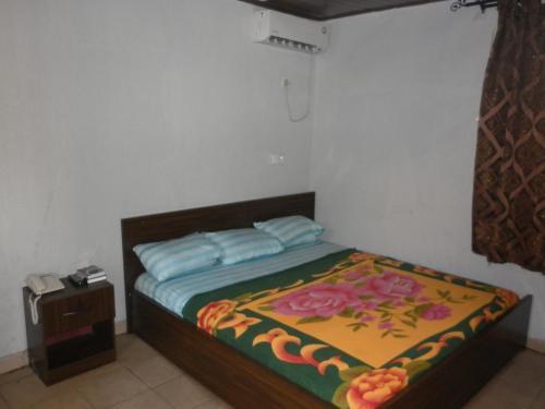 BUBBLES Lounge & Suites, Ikpoba-Okha