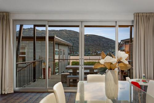Lakefront Marina Apartment, Queenstown-Lakes