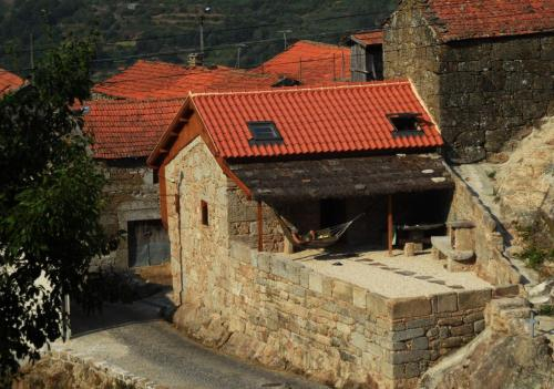 Comfortable rural cottage in ancient village in the Douro region, Lamego