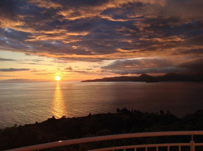 Sunset Residence,
