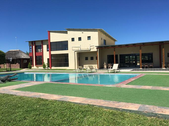 Shumba Lodge, Tutume