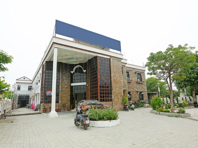 OYO 16906 Hotel Balsons, Patiala