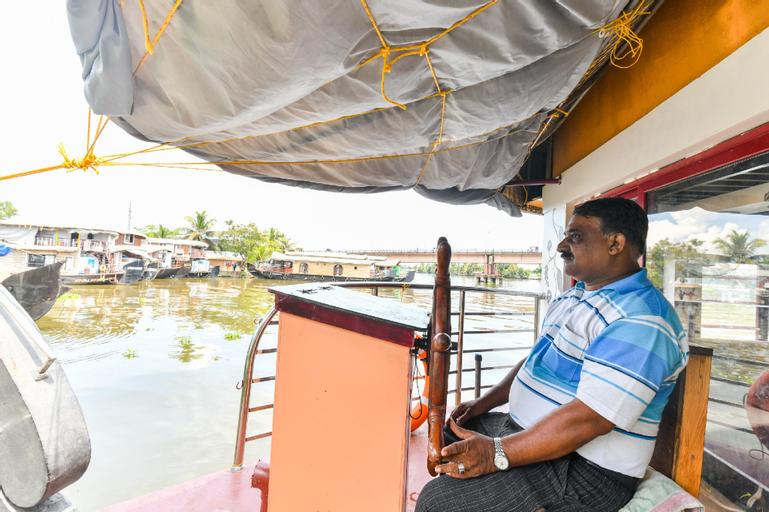 OYO 63043 Egc 3 Bhk Deluxe Houseboat, Alappuzha